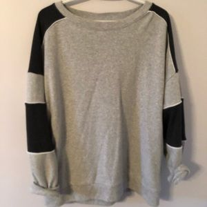 american eagle crew neck sweater
